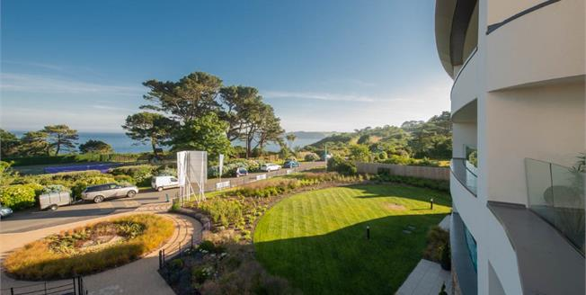 Asking Price £549,000, 2 Bedroom Flat For Sale in Carlyon Bay, PL25