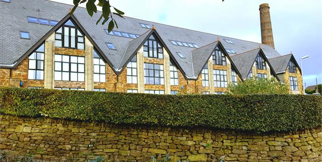 Asking Price £175,000, 2 Bedroom Flat For Sale in St. Austell, PL25