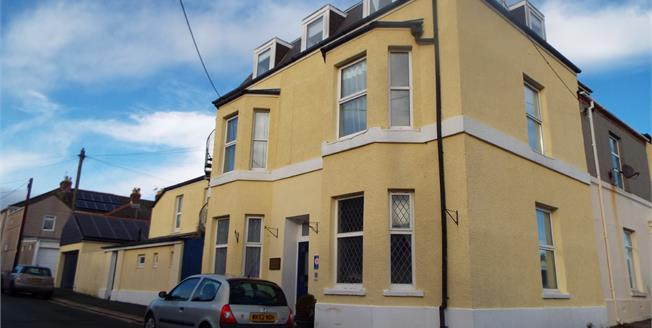 Asking Price £350,000, 8 Bedroom House For Sale in Torpoint, PL11
