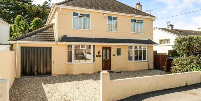Guide Price £350,000, 4 Bedroom Detached House For Sale in Torpoint, PL11