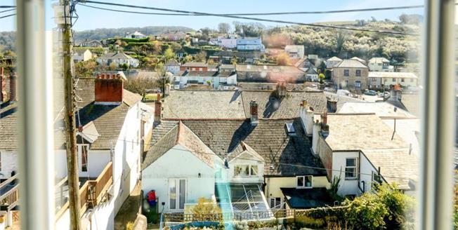 £165,000, 3 Bedroom Semi Detached Cottage For Sale in Millbrook, PL10