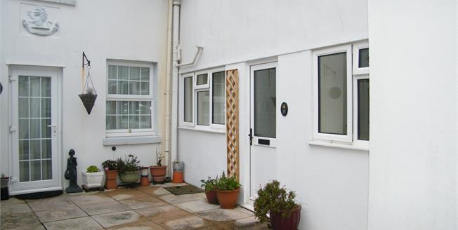 Offers in excess of £90,000, 1 Bedroom Flat For Sale in Torquay, TQ1