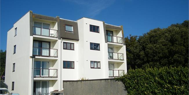 Asking Price £130,000, 3 Bedroom Flat For Sale in Torquay, TQ1