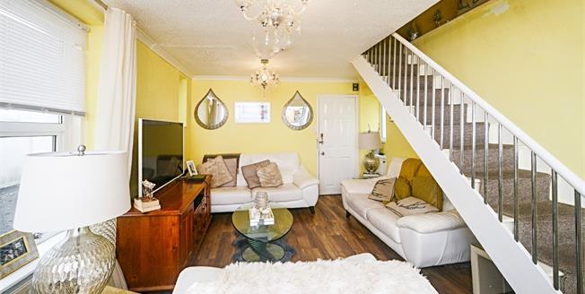 Guide Price £85,000, 2 Bedroom Maisonette For Sale in Devon, TQ1
