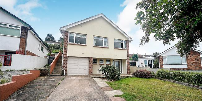 Guide Price £240,000, 2 Bedroom Detached House For Sale in Torquay, TQ2