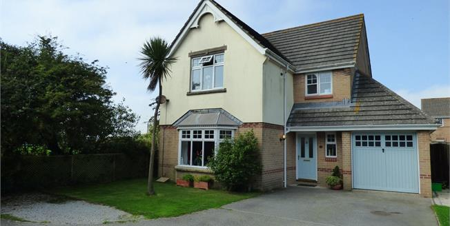 Guide Price £325,000, 4 Bedroom Detached House For Sale in Probus, TR2