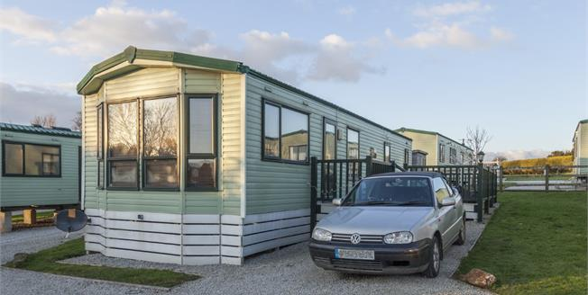 Asking Price £21,000, 2 Bedroom Detached Mobile Home For Sale in Cornwall, TR4