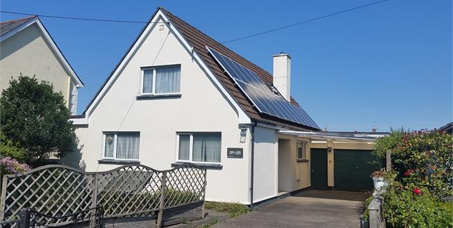 Guide Price £290,000, 3 Bedroom Detached House For Sale in Wadebridge, PL27