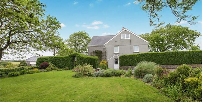 Guide Price £510,000, 5 Bedroom Detached House For Sale in Cornwall, PL27