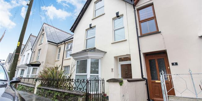 Guide Price £275,000, 3 Bedroom Terraced House For Sale in Wadebridge, PL27
