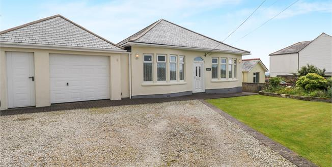 Guide Price £300,000, 3 Bedroom Detached Bungalow For Sale in Delabole, PL33