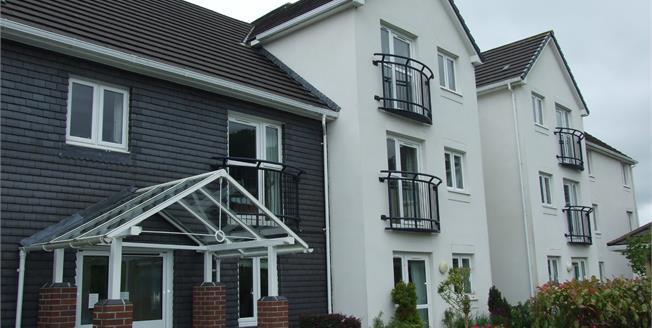 Asking Price £129,000, 1 Bedroom Flat For Sale in Wadebridge, PL27