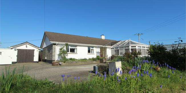 Guide Price £625,000, 3 Bedroom Detached Bungalow For Sale in Trevanion, PL27