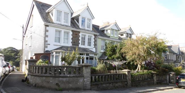 Asking Price £150,000, 1 Bedroom Flat For Sale in Wadebridge, PL27