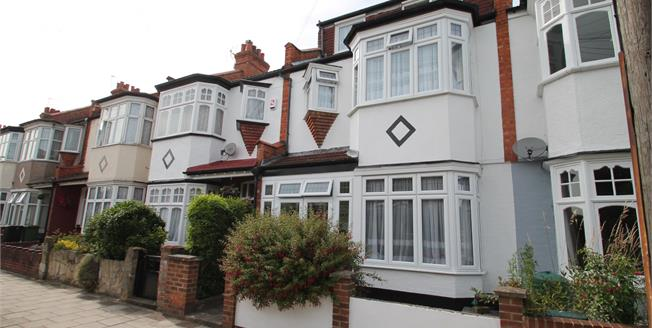 Guide Price £600,000, 4 Bedroom Terraced House For Sale in Beckenham, BR3