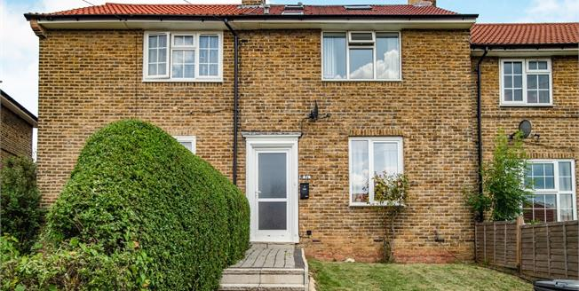 Asking Price £400,000, 4 Bedroom Terraced House For Sale in Bromley, BR1