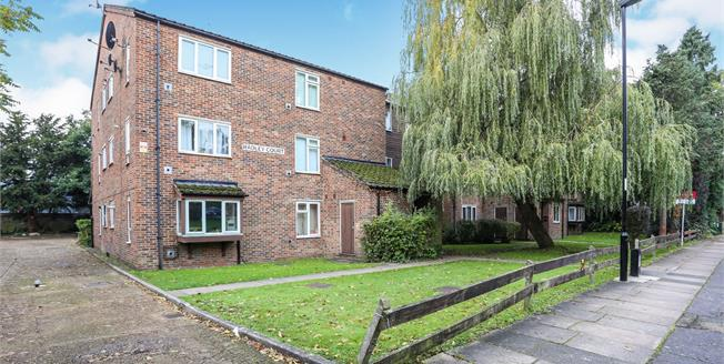 Asking Price £250,000, 1 Bedroom Flat For Sale in Bromley, BR1