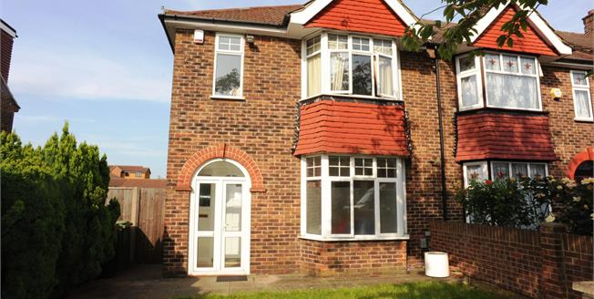 Asking Price £480,000, 3 Bedroom Semi Detached House For Sale in London, SE6