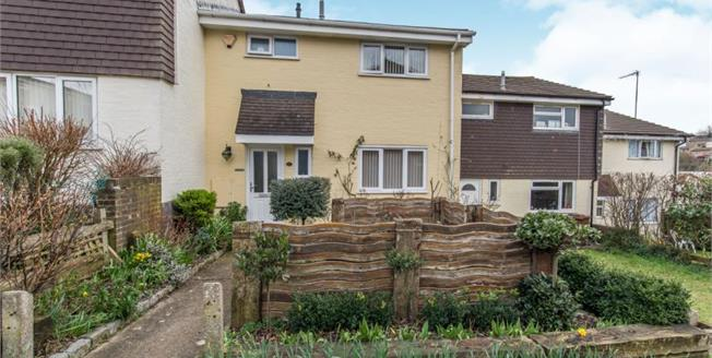 £220,000, 3 Bedroom Terraced House For Sale in Chatham, ME5
