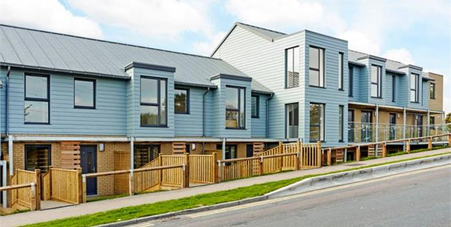 £295,000, 3 Bedroom Town House For Sale in Canterbury, CT2