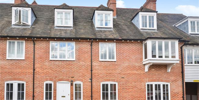 Offers in excess of £240,000, 2 Bedroom Flat For Sale in Canterbury, CT2