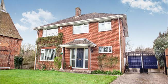 Guide Price £500,000, 4 Bedroom Detached House For Sale in Upper Harbledown, CT2