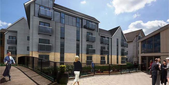 £349,000, 2 Bedroom Flat For Sale in Canterbury, CT1