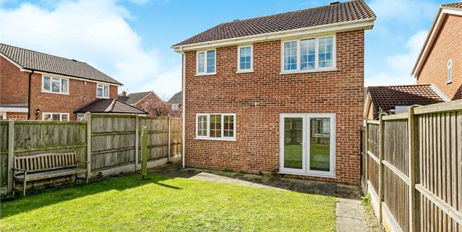 Guide Price £380,000, 3 Bedroom Detached House For Sale in Canterbury, CT2