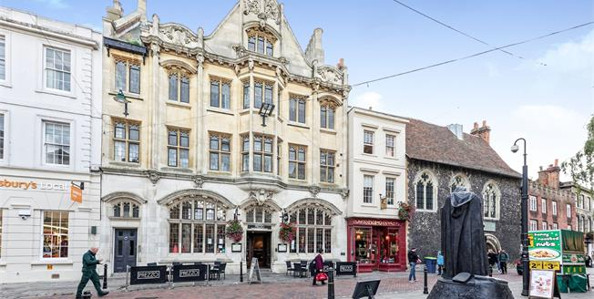Offers in excess of £310,000, 2 Bedroom Flat For Sale in Canterbury, CT1