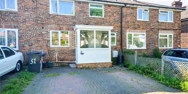 Asking Price £200,000, 3 Bedroom Terraced House For Sale in Ash, CT3