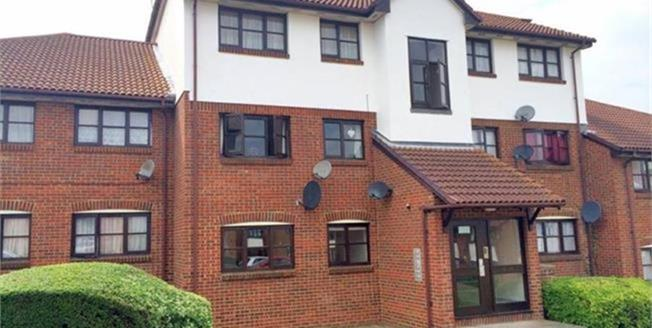 Asking Price £210,000, 2 Bedroom Flat For Sale in Greenhithe, DA9