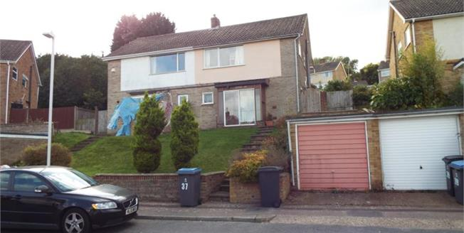 Guide Price £210,000, 3 Bedroom Semi Detached House For Sale in River, CT17