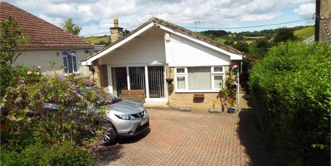 £320,000, 3 Bedroom Detached Bungalow For Sale in Lydden, CT15