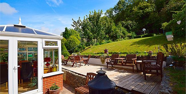 Asking Price £350,000, 3 Bedroom Detached Bungalow For Sale in Dover, CT17