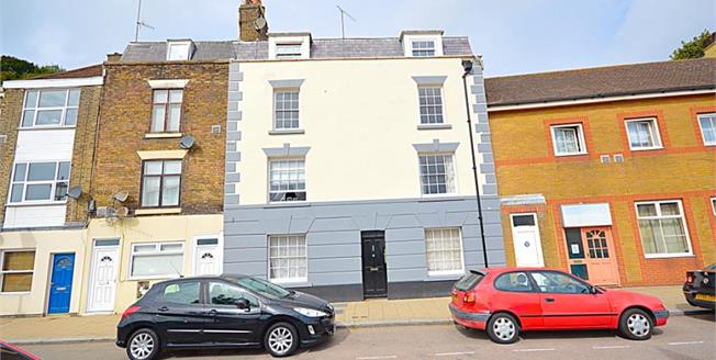 £87,500, 1 Bedroom Flat For Sale in Dover, CT17