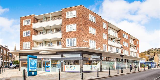 £147,500, 2 Bedroom Flat For Sale in Dover, CT16