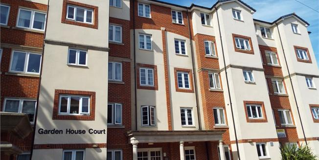 Asking Price £139,000, 1 Bedroom Flat For Sale in Folkestone, CT20