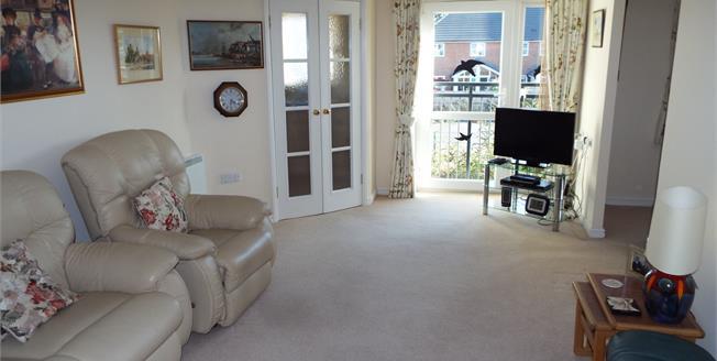 Asking Price £140,000, 1 Bedroom Flat For Sale in Folkestone, CT19