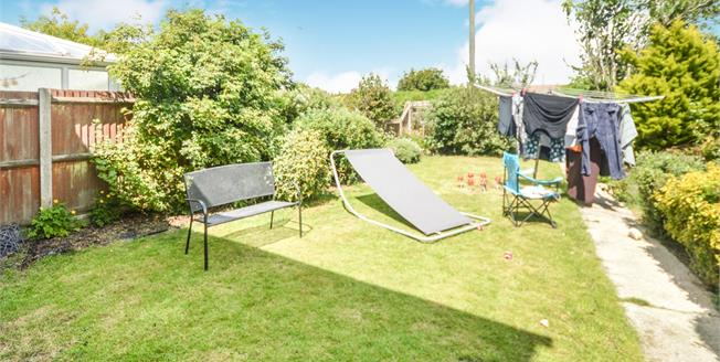 Asking Price £260,000, 3 Bedroom Semi Detached House For Sale in Capel-le-Ferne, CT18