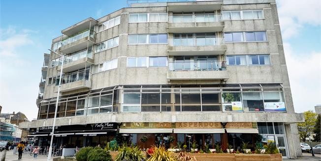 Offers in excess of £175,000, 2 Bedroom Flat For Sale in Folkestone, CT20