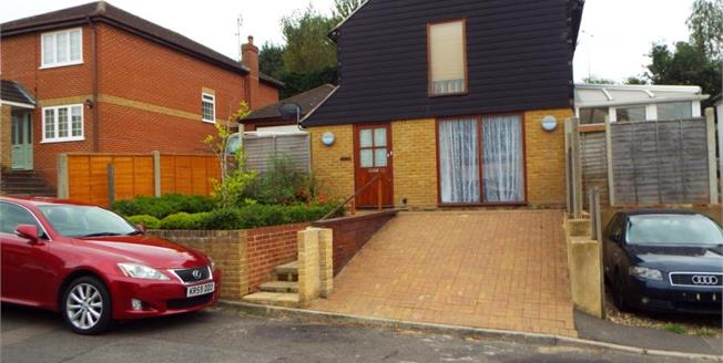 Guide Price £275,000, 2 Bedroom Detached House For Sale in Boughton-under-Blean, ME13