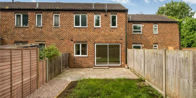 £190,000, 3 Bedroom Terraced House For Sale in Faversham, ME13