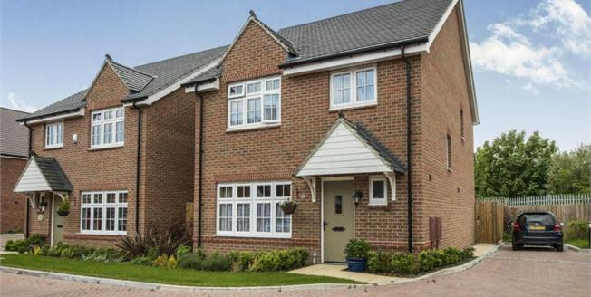 Guide Price £360,000, 4 Bedroom Detached House For Sale in Faversham, ME13