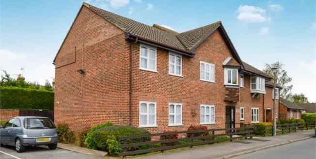 Offers Over £120,000, 2 Bedroom Flat For Sale in Faversham, ME13