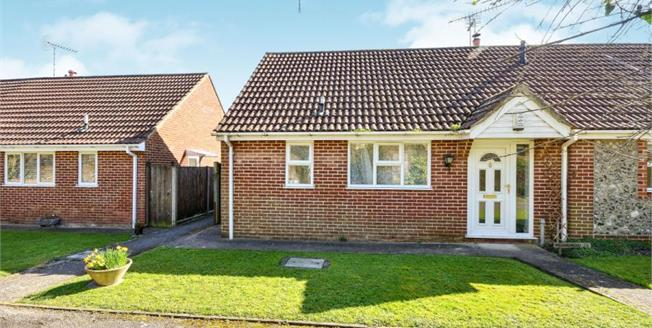£250,000, 1 Bedroom Bungalow For Sale in Faversham, ME13