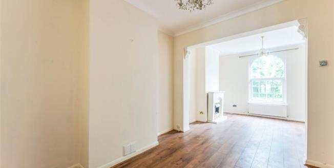 Guide Price £260,000, 3 Bedroom Terraced House For Sale in Gravesend, DA12
