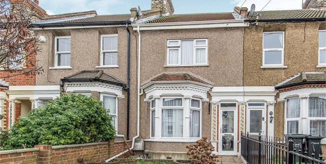 Guide Price £290,000, 3 Bedroom Terraced House For Sale in Northfleet, DA11