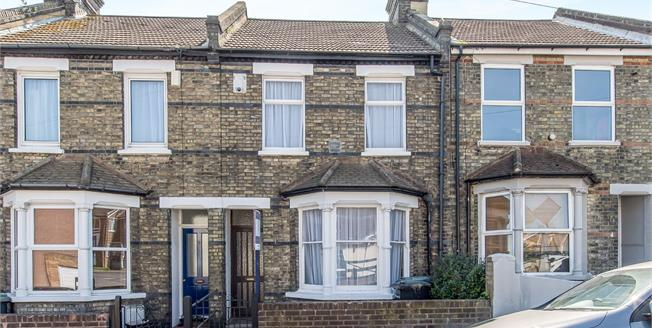 Guide Price £250,000, 3 Bedroom Terraced House For Sale in Gravesend, DA12