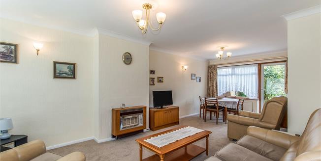Guide Price £325,000, 3 Bedroom Semi Detached House For Sale in Gravesend, DA12