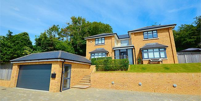 Guide Price £725,000, 4 Bedroom Detached House For Sale in Temple Ewell, CT16